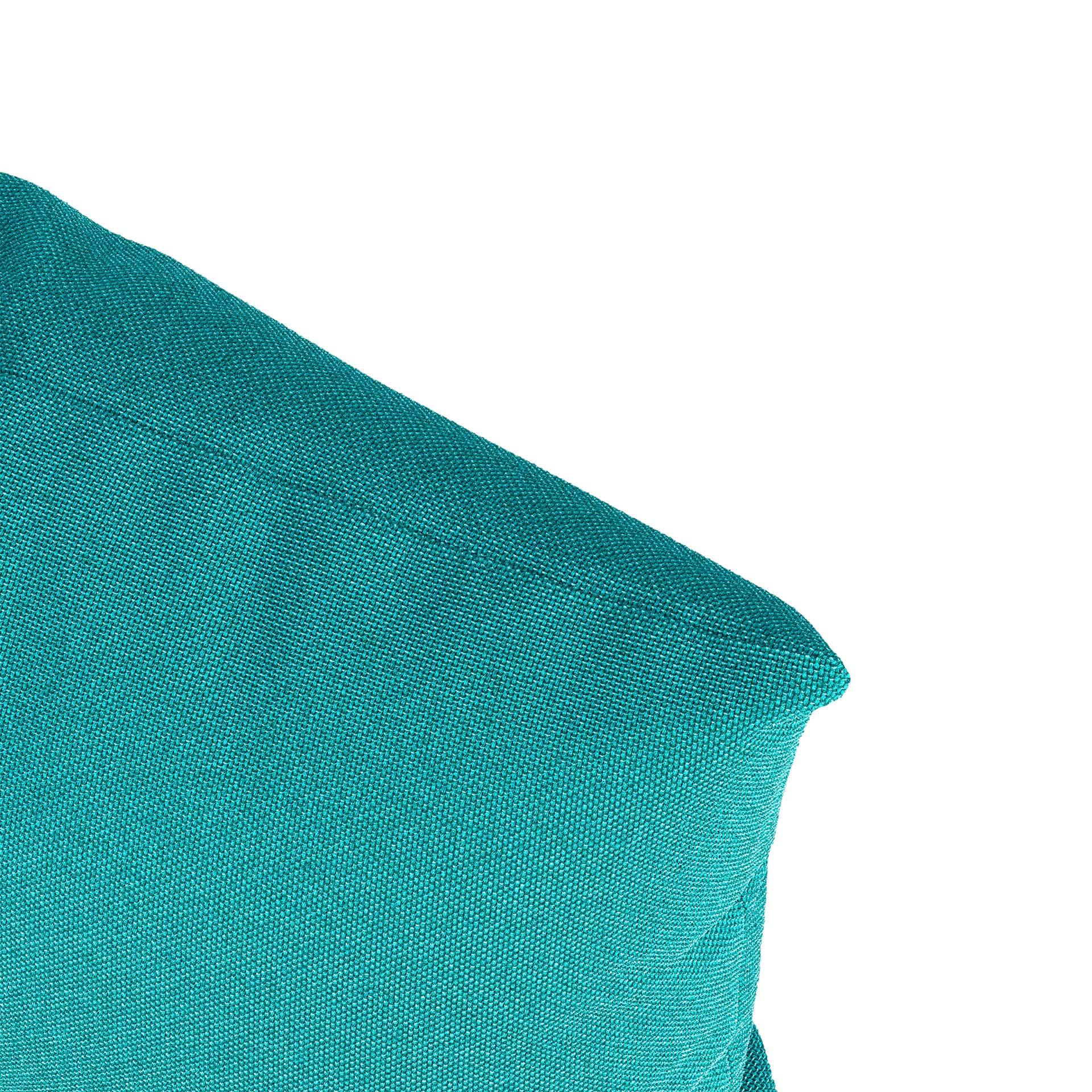 Scatter Pillow Close Render Blue